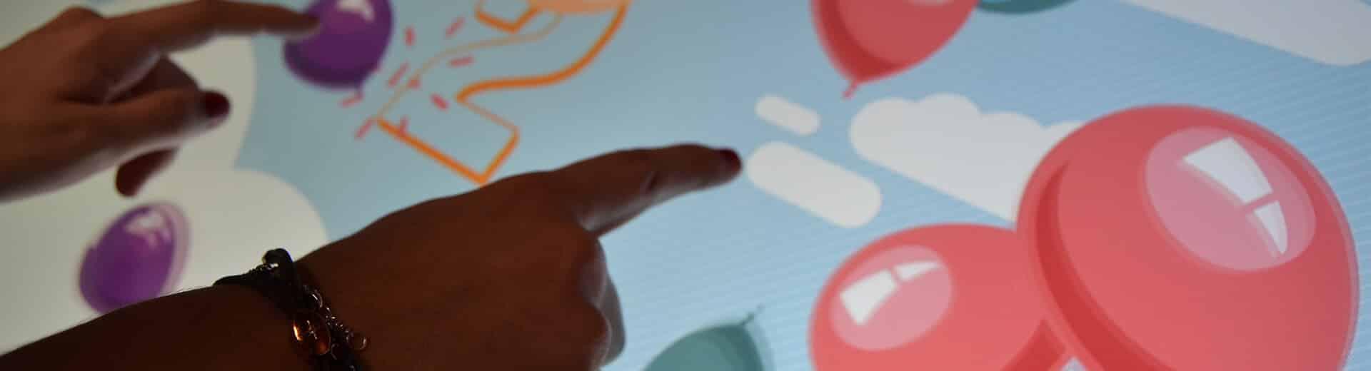 Application tactile jeux interactifs en utilisation