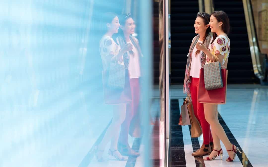 Les cabines d'essayage du futur : pour une immersion réussie en magasin