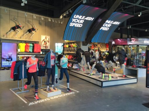 New Balance modernise ses points de vente avec la technologie tactile