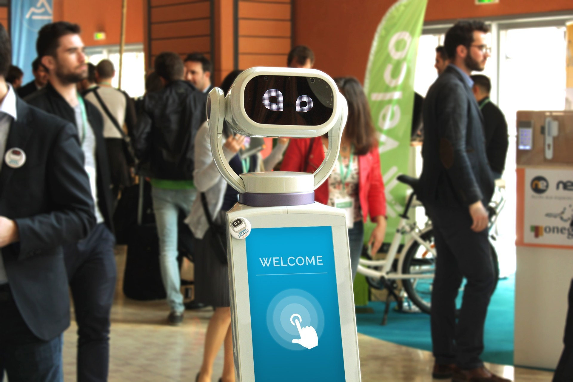 Heasy le robot intelligent, innovation service client